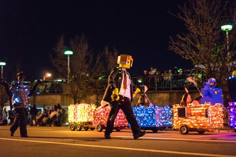 Light_Parade_2015-08493.jpg