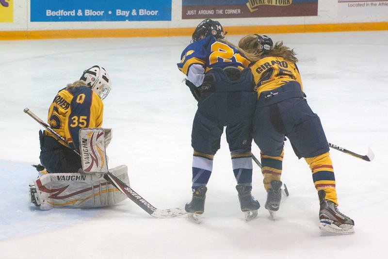 20130310 QWHockeyvsUBC 266.jpg