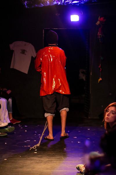 Allan Bravos - Fotografia de Teatro - Indac - Migraaaantes-324.jpg