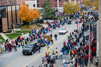 TC_10_23_09_homecoming_parade-493.jpg