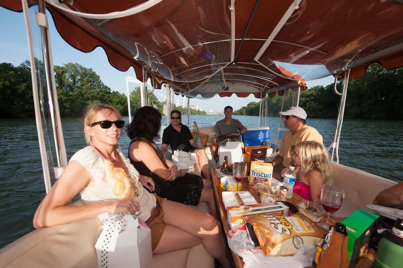 Travelhost_Party-0846.jpg