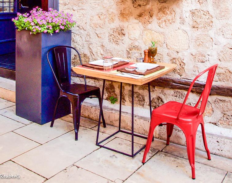 table and chairs Antalya.jpg