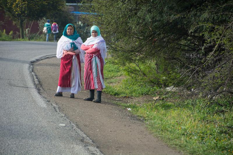 נשים ברחוב.jpg