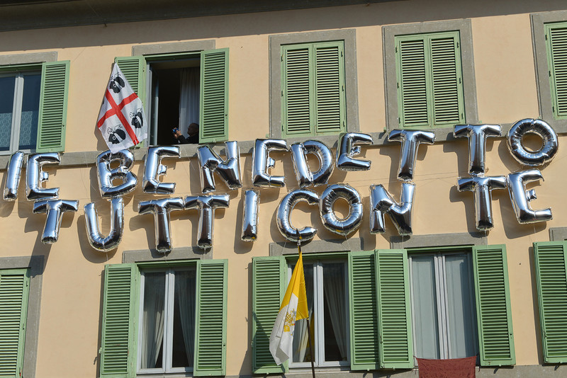 """. Balloons reading \""""Benedict, all with you\"""" are displayed on the house on February 28, 2013 in Castel Gandolfo. Once he steps down later in the day, Pope Benedict XVI will begin his retirement in the papal summer residence at Castel Gandolfo, a sumptuous villa outside Rome with ornamental gardens, breathtaking views and its own farm.  VINCENZO PINTO/AFP/Getty Images"""