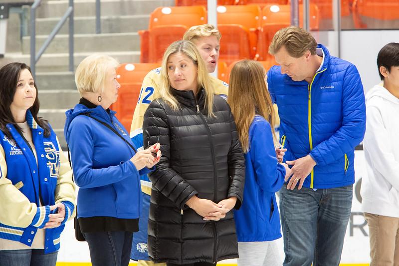 20200111-SMCHShockeySeniors59488.jpg