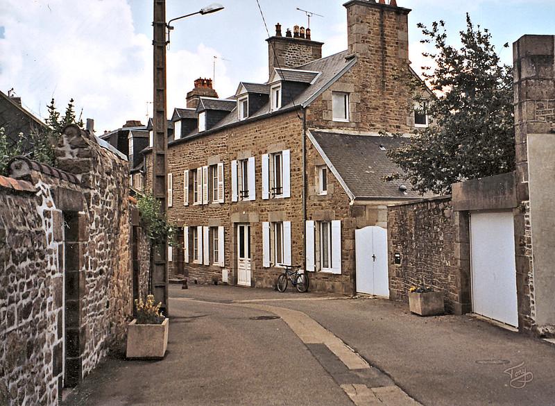 Avranches - 2002 - Rue du Puits Hamel