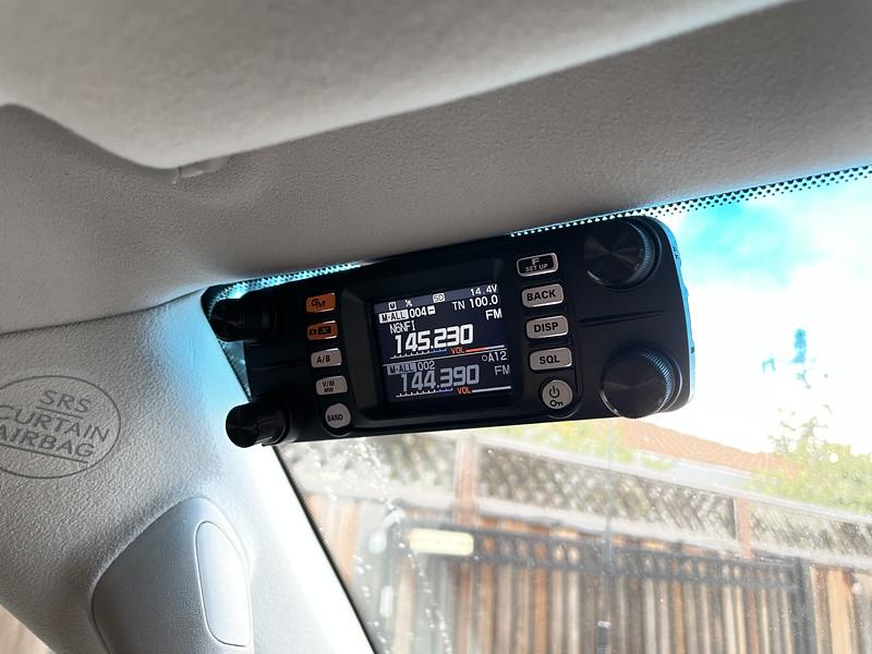 Control head in corner of windshield