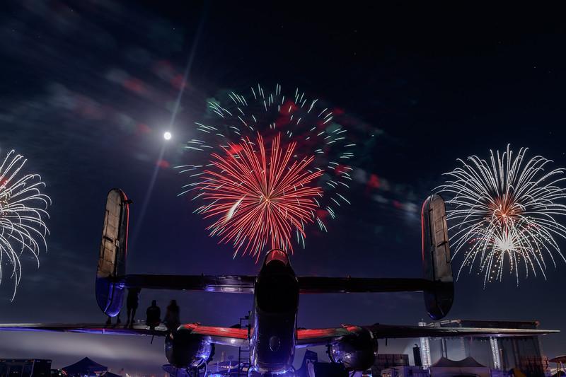 2018_CCA_Fireworks_32.jpg
