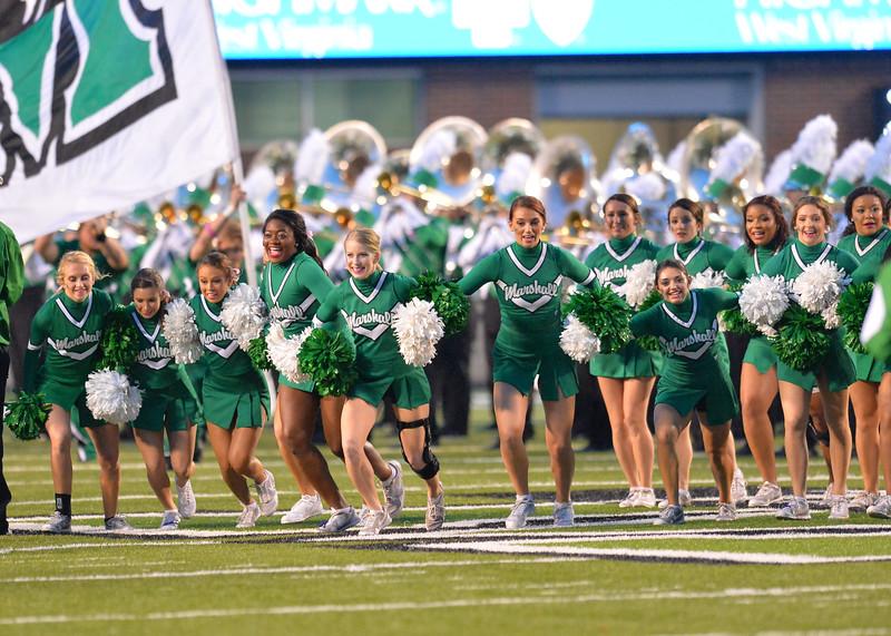 cheerleaders4819.jpg