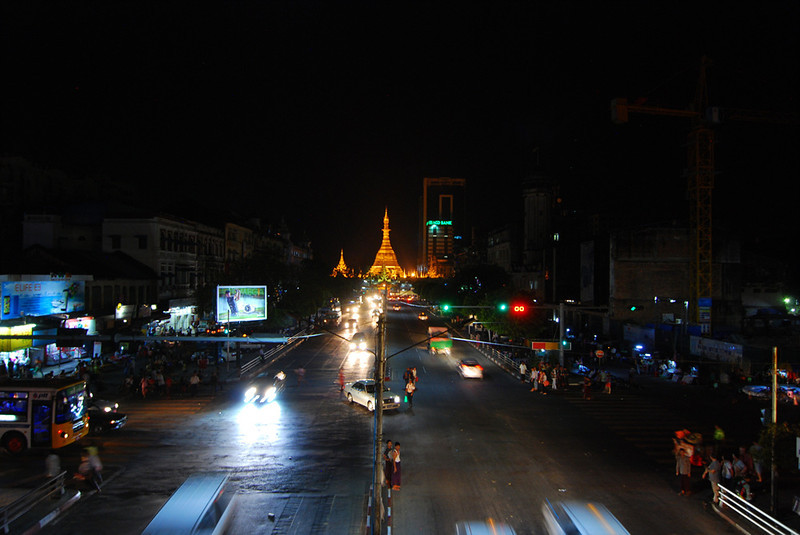 pagoda in Yangon.jpg