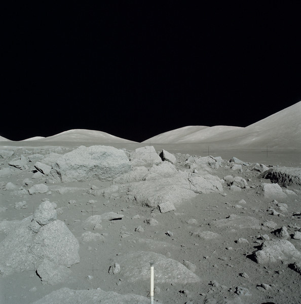 AS17-145-22175HR.jpg
