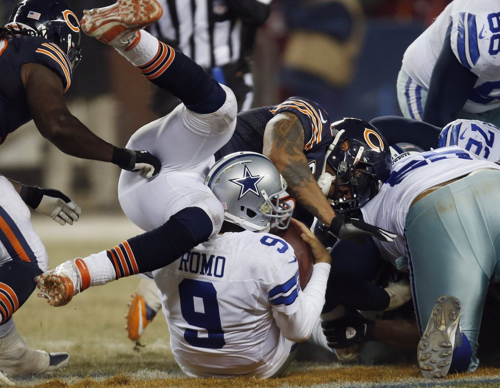 """. <p>3. DALLAS COWBOYS <p>It�s hard for Tony Romo to win when his opponents never punt. (unranked) <p><b><a href=\'http://www.twincities.com/sports/ci_24689804/cowboys-bears-tied-at-7-after-1st-quarter\' target=\""""_blank\""""> HUH?</a></b> <p>    (AP Photo/Charles Rex Arbogast)"""