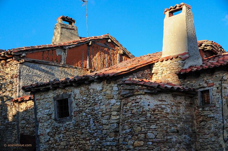 KCMB catalanazor village 2000-70-1294.jpg