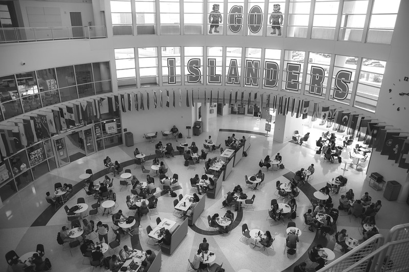 Students enjoy their afternoon in the University Center.