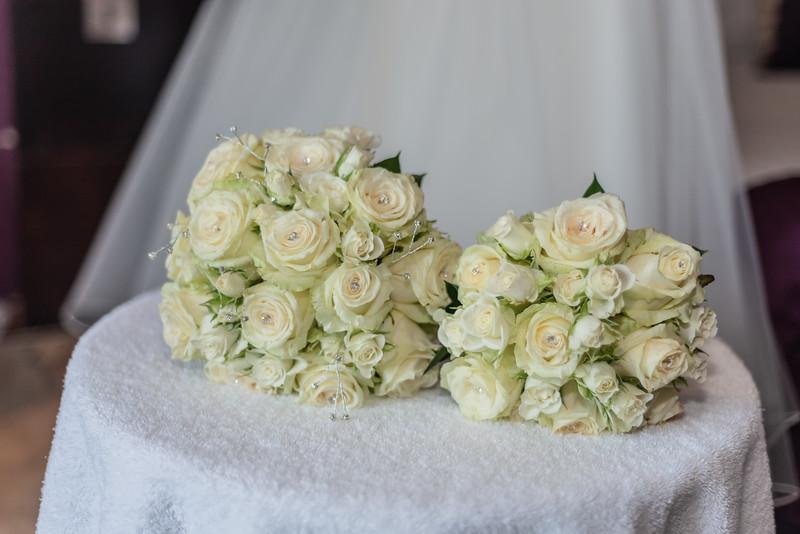 01 Bridal Prep-36.jpg