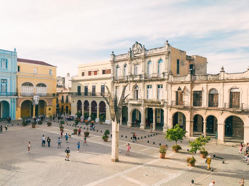 Old Havana plaza Vieja.jpg