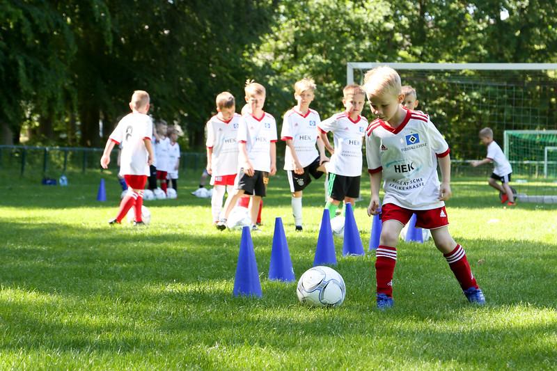 hsv_fussballschule-100_48048029877_o.jpg