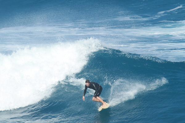 SURFING HO'OKIPA JAN 2013