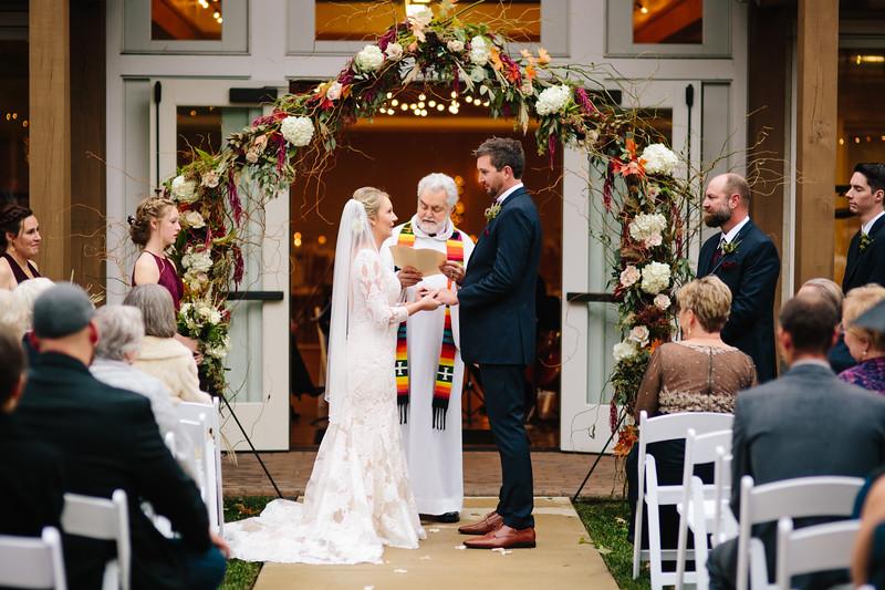katelyn_and_ethan_peoples_light_wedding_image-305.jpg