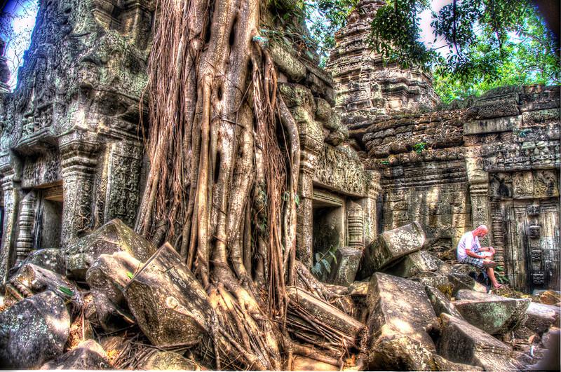 CambodiaReadingTaPhromDSC_4874_5_6_.jpg