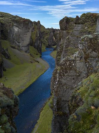 Fjaðrárgljúfur Canyon Hike