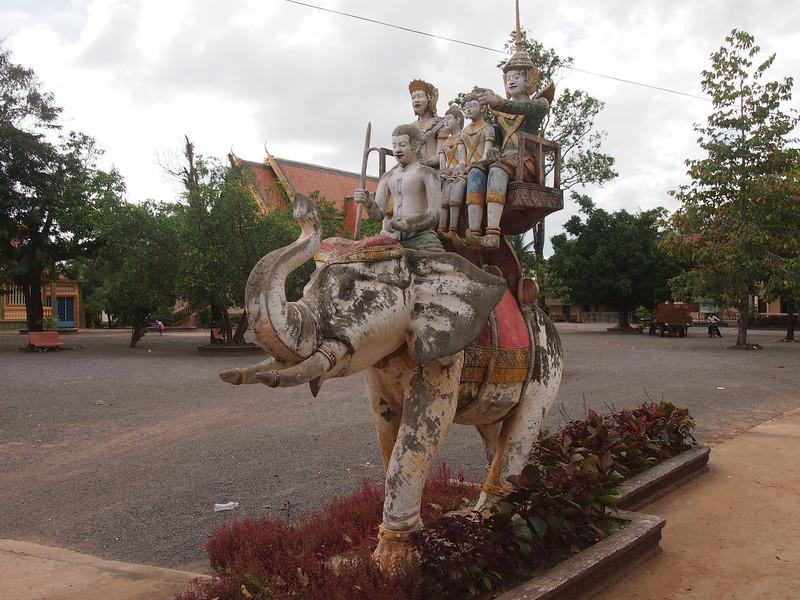 PB163825-family-riding-elephant.JPG