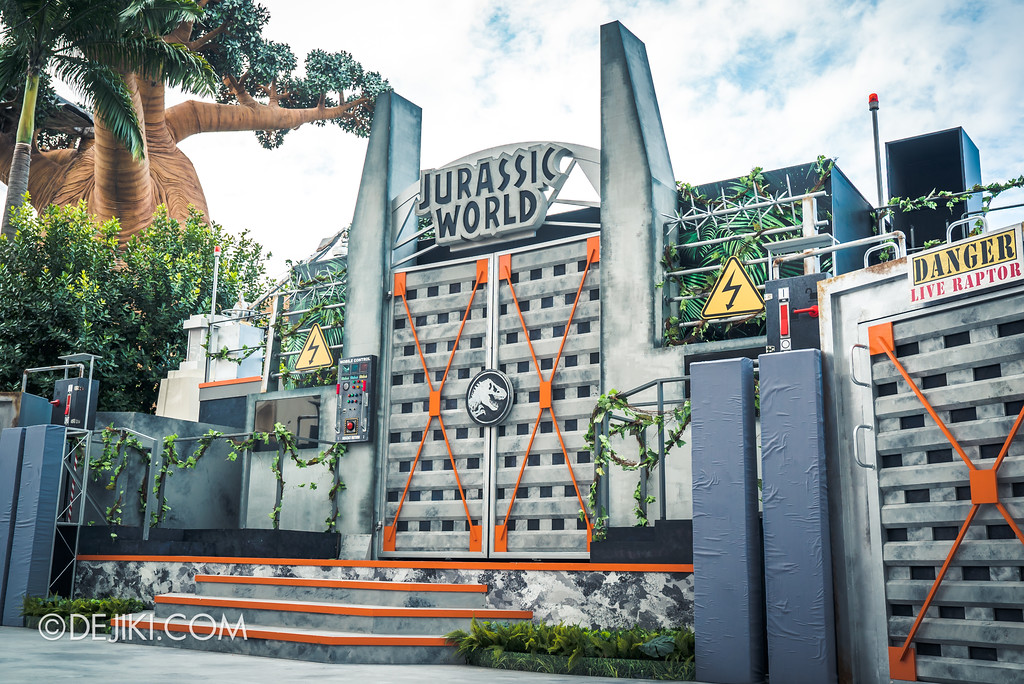 Universal Studios Singapore Park Update - Jurassic World Explore and Roar show stage right