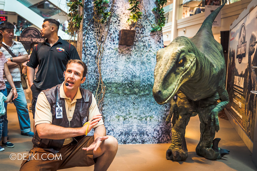 Universal Studios Singapore Park Update - Jurassic World Explore and Roar roadshow at Plaza Singapura featuring velociraptor Val and trainer Wyatt 4