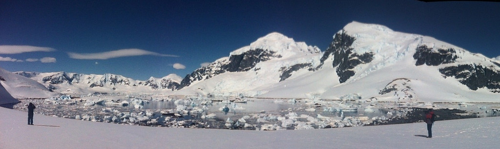 Sunny skies in the Antarctic Peninsula