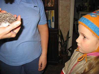 2011-12-30, Olya, Nastya and a pet hedgehog