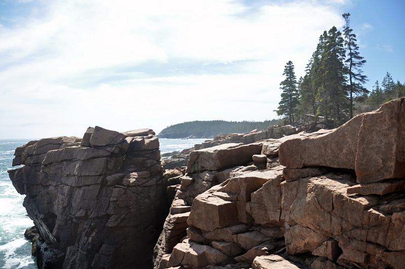 Rocky cliffs at Thunder Hole