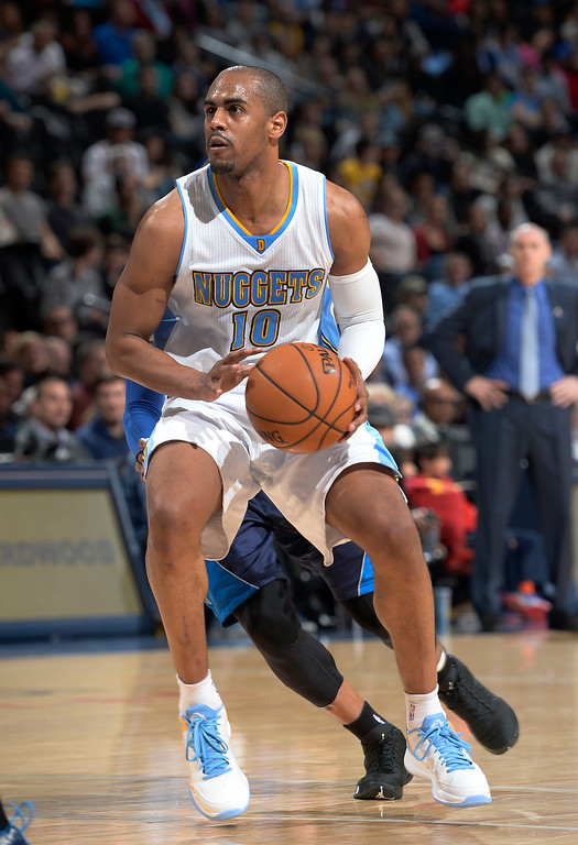 . DENVER, CO - JANUARY 14: Denver Nuggets guard Arron Afflalo (10) looks to take a shot against the Dallas Mavericks January 14, 2015 at Pepsi Center. (Photo By John Leyba/The Denver Post)