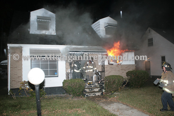 10/30/13 - Flint house fire, 5709 Glenn