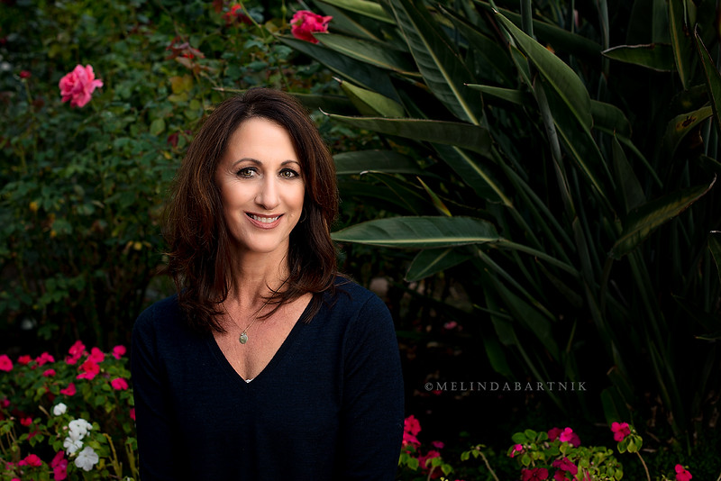 MelindaBartnikPhotography_Suzanne_businessheadshots_2016_websized_01.jpg
