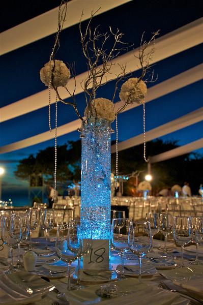 Nahaui Wedding Setting by Johanna Otero Events photography by Award Winning Photographer Andres Barria Davison