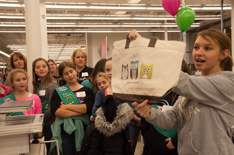 Gives 2012_Girl Scouts-5840.jpg