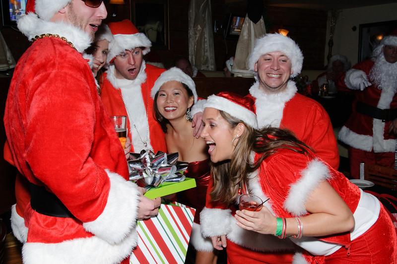2009 ALS Santa Crawl-83.jpg