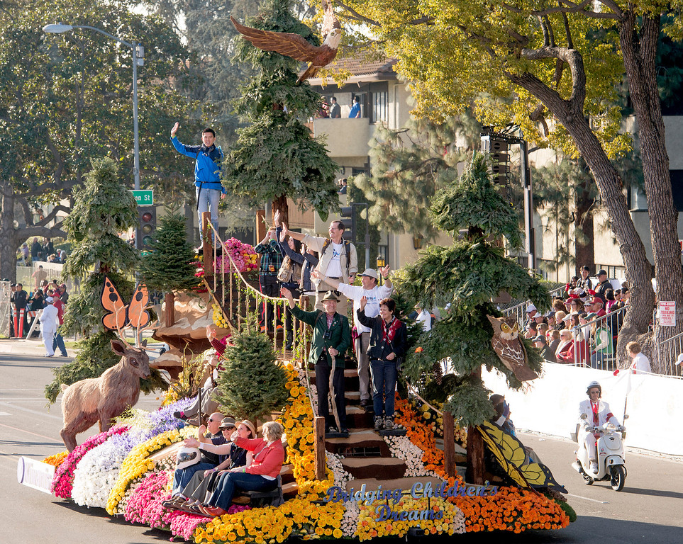 ". Kiwanis International ""Bridging Children\'s Dreams\"" float during 2014 Rose Parade in Pasadena, Calif. on January 1, 2014. (Staff photo by Leo Jarzomb/ Pasadena Star-News)"