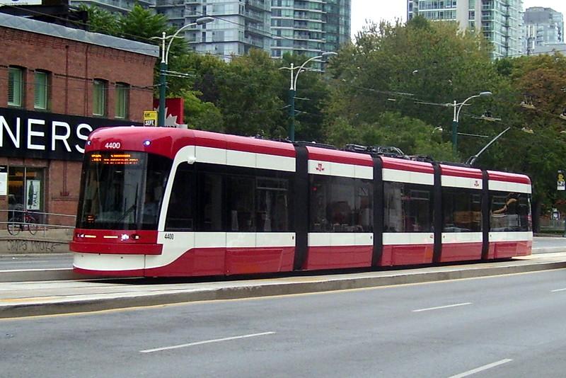 TTC_Flexity_Streetcar_4400_(15017534250).jpg