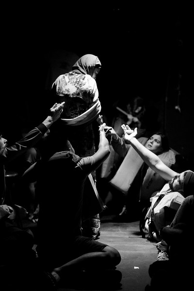 Allan Bravos - Fotografia de Teatro - Indac - Migraaaantes-181-2.jpg