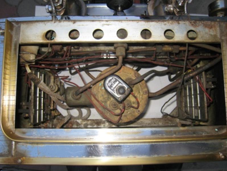 Antique Espresso Machine 16i.png