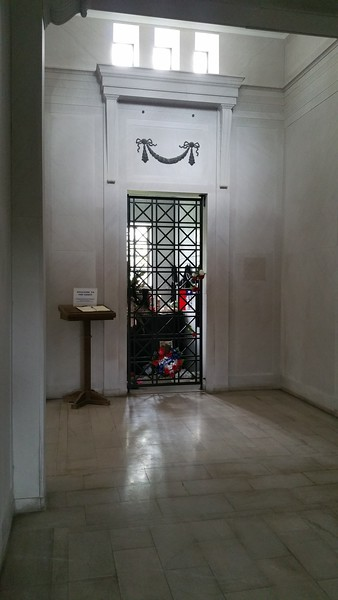 And here is the crypt Elvis was interred in