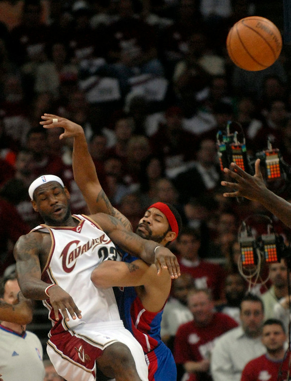 . Ken Blaze/KBlaze@News-Herald.com LeBron James collides with Rasheed Wallace in the first half.