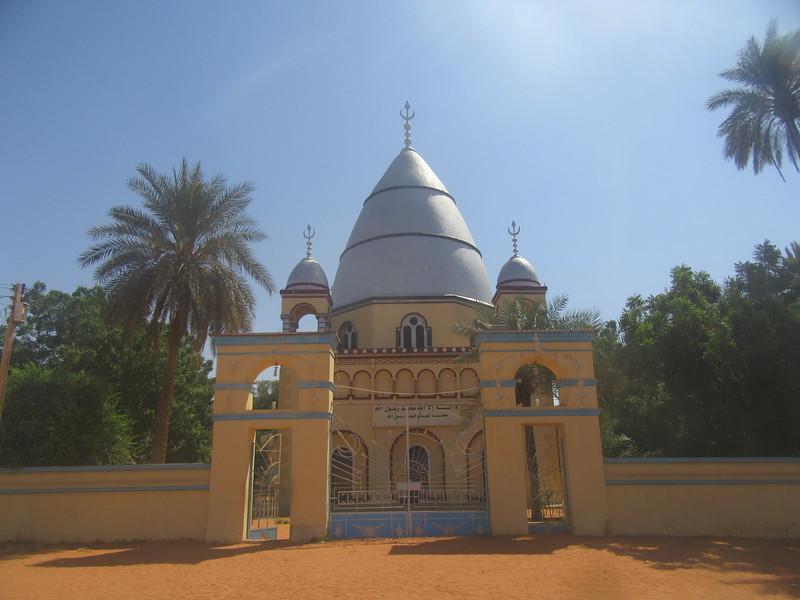 011_Khartoum. Omdurman. Tomb of the Medhi.JPG
