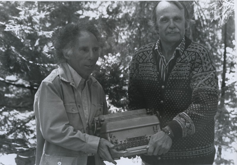 1977 - Don Asher & Oakley Hall golden typewriter.jpeg