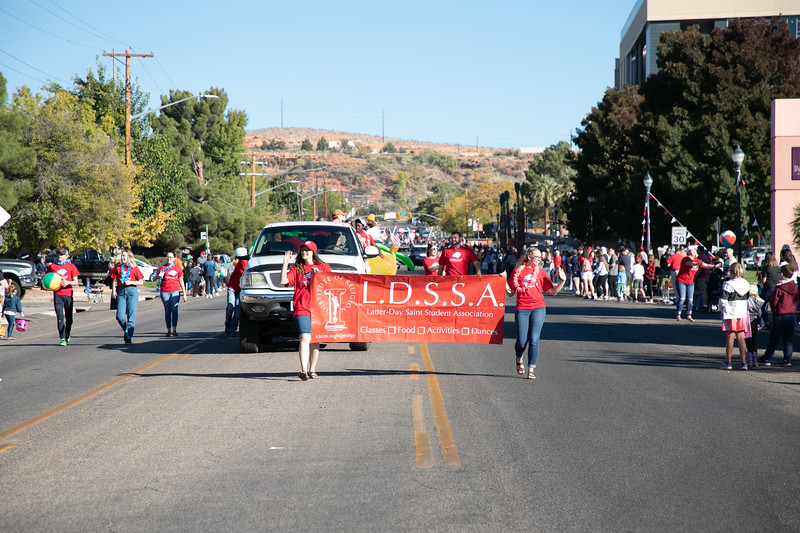 HOMECOMING PARADE 2019-1784.jpg