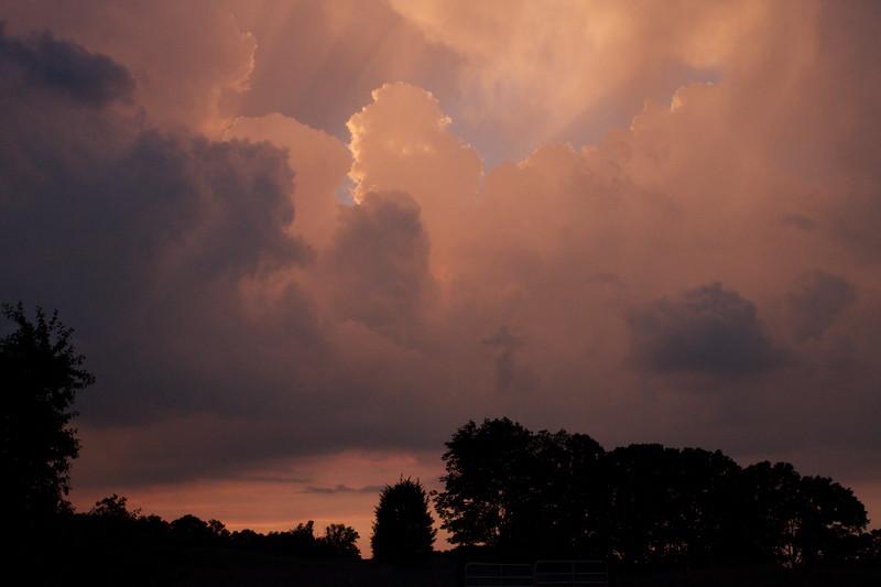 red-clouds-dawn_8777579641_o.jpg