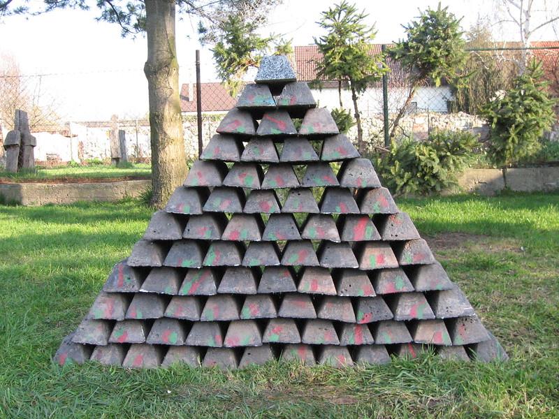 ingoty-pyramida, misky-30.3.2008 014.jpg