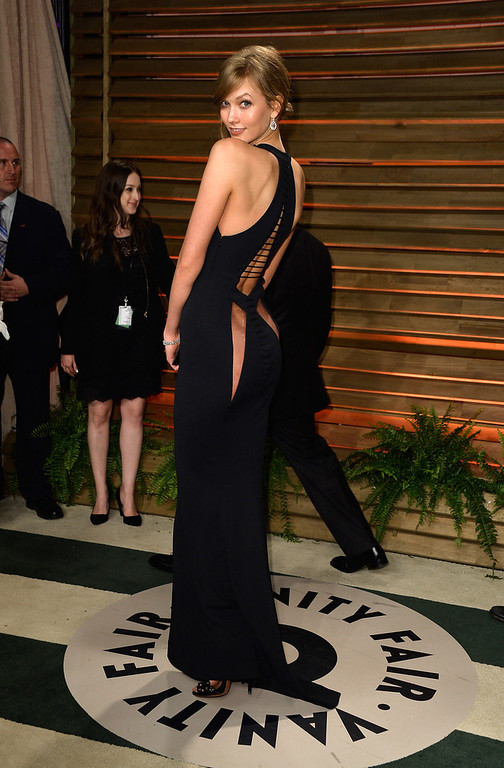 . Model Karlie Kloss attends the 2014 Vanity Fair Oscar Party hosted by Graydon Carter on March 2, 2014 in West Hollywood, California.  (Photo by Pascal Le Segretain/Getty Images)