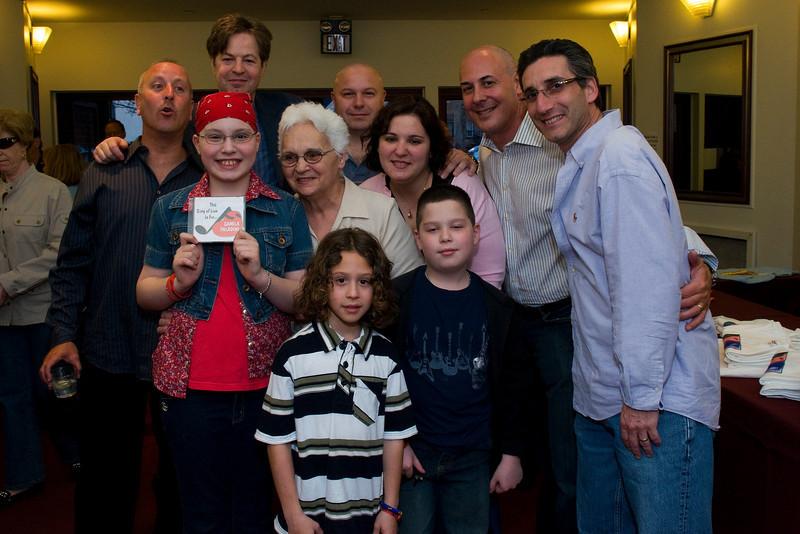 sol family & team_DSC6371.jpg